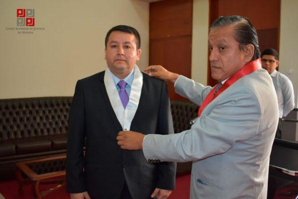 Abelardo Vidal Torres juramentó como juez supernumerario del Segundo Juzgado Civil de Barranca