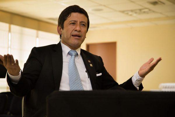 CNM: Descubren contratos fantasmas en gestión de Guido Aguila